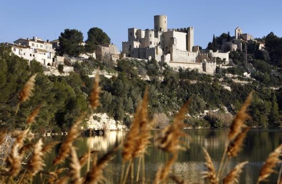 Castellet-i-la-Gornal-e1426073548700-580x379